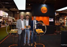 Juan Pedro, Terry and Lionel Beltrán, at the stand of Vros; Castellón-based company specialised in clementines with leaf, presenting the new campaign.