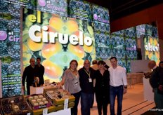 Stand of Grupo el Ciruelo, specialists in table grapes and stonefruit.