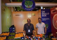 José Hernández and Ismael Martínez López, at the stand of Earmur, producers of limes, kumquat and grapefruit.