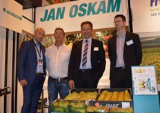 Participant of the Fruit Attraction from the very first beginning: Jan Oskam. Much demand for large size Conference and Golden Delicious in Spain. Erik Oskam, Johnny Tielrooij of Satotukku from Finland, Kees Oskam and Erik Flux.