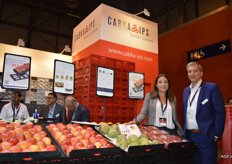 Sara Medina and Jürgen van Herp of Cabka-IPS. The mobile presentation islands with their woodblock appearance and the presentation islands for flowers of Morelips, a flower stand that has proven to realise an additional turnover of 2% in retail, were emphasised.