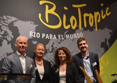 Bio Tropic, Ronald Vianen, Pernille Dynesen, Suzana Paradelo, Vivien Hublier. Bio Tropic supplies a total organic packet and imports its trade from Spain, Germany, Italy, France and the Dominican Republic. The company has its own production of pineapple in the Ivory Coast.