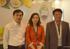 Doan Van Phuong- Director of the Tien Gian Investment-Trade-Tourism Promotion Center, Victoria Bui- Director of Binh Dinh Son Co., Ltd and Doan Van Sang- Director of Thianh Long Cat Tuong.