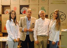 SOHISCERT promoting the Global GAP and Organic certifications. From left to right: Ana Lopez, Angel Arriaga and Charo Soto.