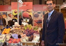In the Peruvian hall, Fernando Salcines Minaya, of the company El Oro de los Andes. The firm is specialised in the marketing of organic products in Europe.