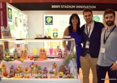 Pilar Esteve, Martín Barcala and José Lopez, of Pom'Bel. At the fair, they presented their fruit smooties in packs that are easy to take away.