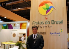 Luiz Roberto, of Abrafrutas, the organization that helps and provides support to Brazilian producers and exporters with, for example, its presence at this fair.