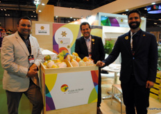 Anezio, of Interfruit, and João Luiz Bayer and Pedro Rodrigues, of Frutas Futuro, all from Brazil.