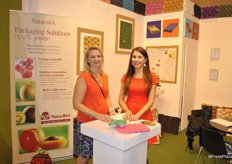 Anne Baumuller and Alina Winling from Naturalvi. They have a new packaging for the 16 caliber fruit sizes.