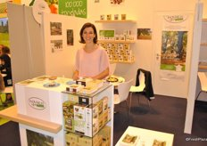 Dominique Beaumont from Inovfruit promotes her chestnuts