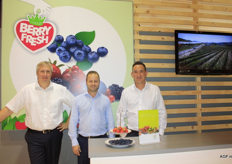 The gentlemen of Special Fruit present Berry Fresh. Left to right: Johan Verberck, Tom Maes and Wout Roovers.