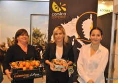The team of Corsica Comptoir selling clementines from Corsica. The production started and goes to Europe.