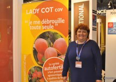 Marie-Laure Ètève from Cot International specialist in apricot
