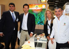 The team of Bengala Agrícola, from Colombia, presenting the firm's new image at the fair.
