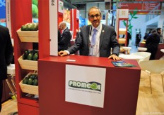 Celso Castillo Macías, at the stand of Promega, in the Mexican Hall.