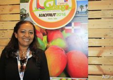 Isabel Loida from the mango association from San Christobal