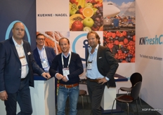Paul Hulsbos of Levarht (middle) takes a look at Kuehne+Nagel with in its stand Jur de Graaf, Gereon Niemeier and Dennis Verkooy.