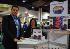 Also Berries Paradise was present at the fair. Héctor H. Silva Fabián with Ana Blanca Solís from Mexico