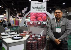 Eli Nuez from Fresh Kampo, soft fruits from Mexico