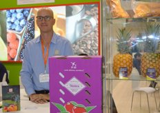 Diazteca is a grower and exporter of mangoes, pineapples, avocados and limes from Mexico. Rod Diaz.