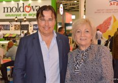 Arjan Zoutewelle and Ludmila van Wijland visit the fair.